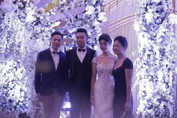 Lộ chân dung chồng mới cưới của nữ cơ trưởng Vietnam Airlines, 'phong độ' không kém Trương Thế Vinh - Ảnh 2
