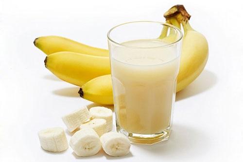 Ngày 4 có chế độ ăn giảm cân nhanh bằng sữa và chuối. Ảnh internet