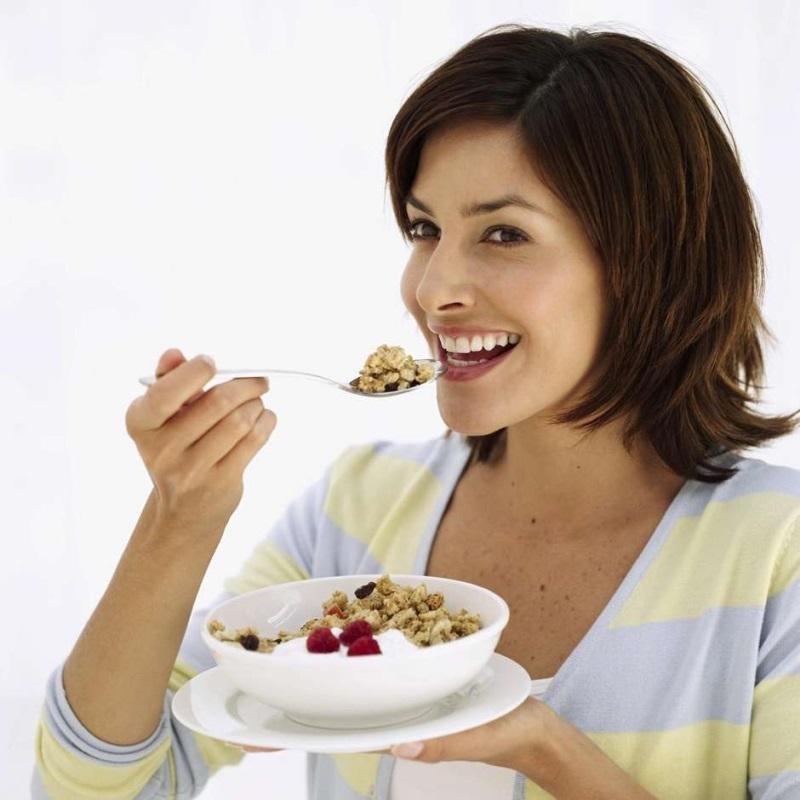 Nên ăn sáng để bổ sung năng lượng cho ngày mới làm việc