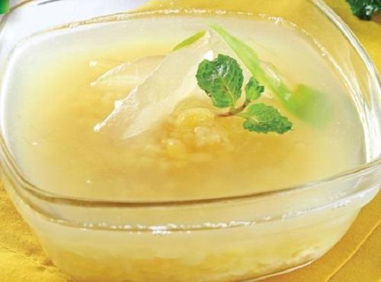 Món chè đậu xanh nha đam đường phèn hấp dẫn