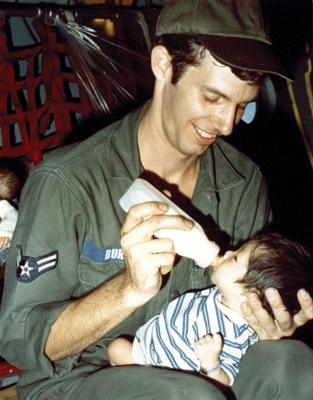 Thêm một đứa trẻ Babylift lên tiếng tìm kiếm cội nguồn Việt Nam - Ảnh 7