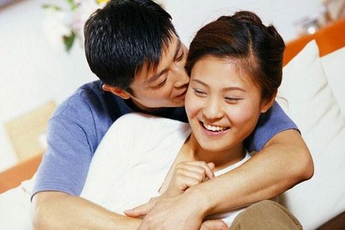 Lạ đời chồng bắt vợ nộp hết lương hàng tháng - Ảnh 1