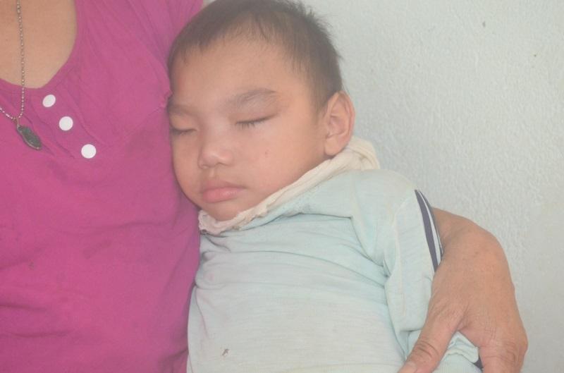 Bị chồng hờ đánh đập tàn bạo, bắt uống thuốc phá thai, mẹ trẻ đau đớn sinh ra đứa con bạo bệnh - Ảnh 2