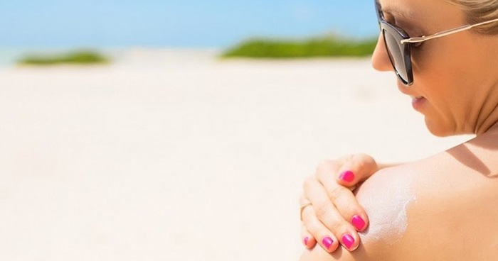 Kem chống nắng vật lý tốt cho da dầu hơn.