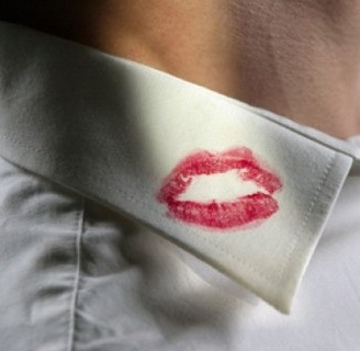 Những biểu hiện tố cáo chồng bạn đã có người khác - Phụ nữ cần cảnh giác cao độ! - Ảnh 1