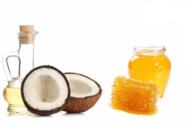Trị rụng tóc sau sinh bằng dầu dừa kết hợp mật ong
