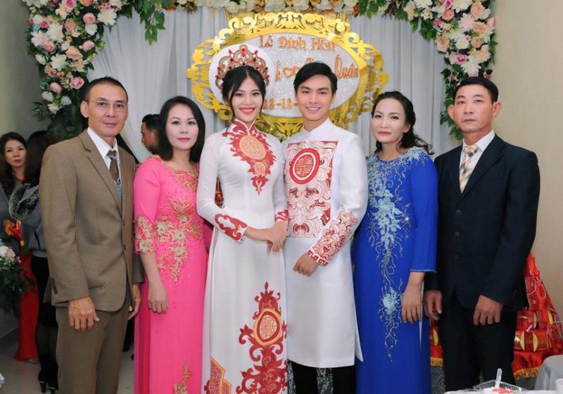 Một năm hỷ sự, sao Việt nào mặc đồ truyền thống đẹp nhất - Ảnh 8