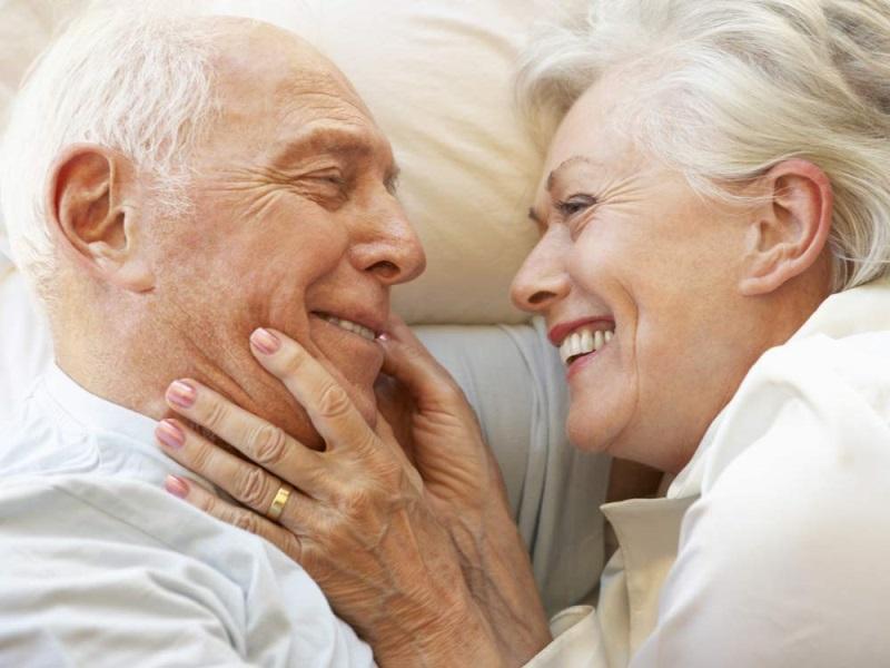 5 bệnh lý làm giảm sức yêu ở người cao tuổi - Ảnh 1