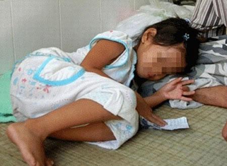 Cô gái bị bạn cùng xóm và anh họ hiếp dâm từ năm 6 tuổi: 'Em tuyệt vọng đập đầu vào tường đến chảy máu' - Ảnh 2