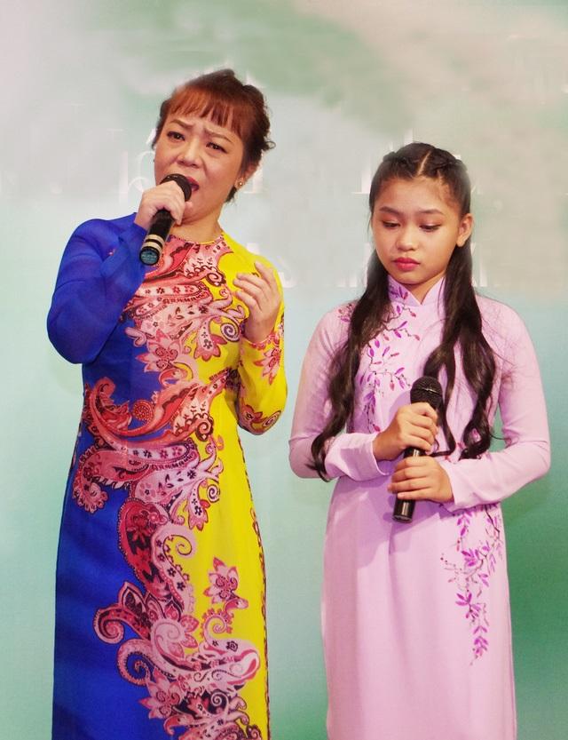 Cô Út Phương Mỹ Chi nhận con gái nuôi người mẫu Xuân Lan làm đệ tử: Để lãng quên cháu gái? - Ảnh 2
