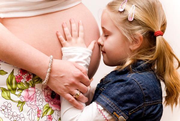 Có ý định sinh con thứ 2 trong năm 2018, mẹ phải biết 6 điều này! - Ảnh 2