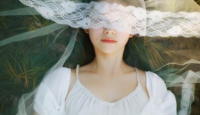 Cởi áo làm nhân tình rồi thì mặc làm sao nổi váy cô dâu - Ảnh 2
