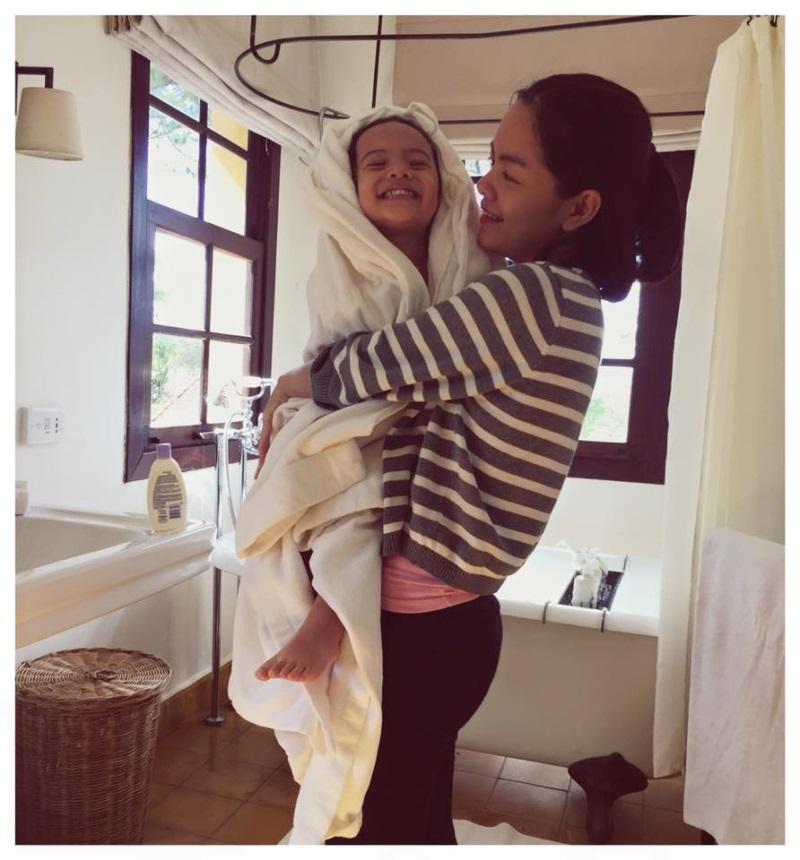 Phạm Quỳnh Anh bất ngờ viết thư gửi con gái 5 tuổi, lần đầu tiết lộ lý do rời showbiz khiến hàng nghìn người xúc động - Ảnh 3