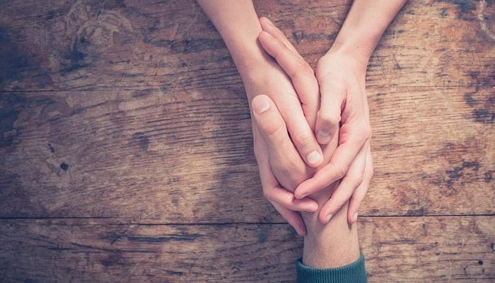 Con người gặp nhau bởi chữ duyên, yêu nhau là phận kiếp trước, bên nhau là trả nợ đời đời  - Ảnh 2