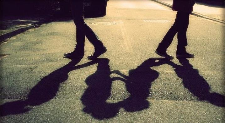 Con người gặp nhau bởi chữ duyên, yêu nhau là phận kiếp trước, bên nhau là trả nợ đời đời  - Ảnh 1