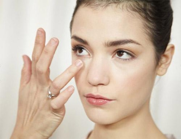 1 viên vitamin E và 5 công thức làm đẹp giúp da sạch mụn, trắng mịn