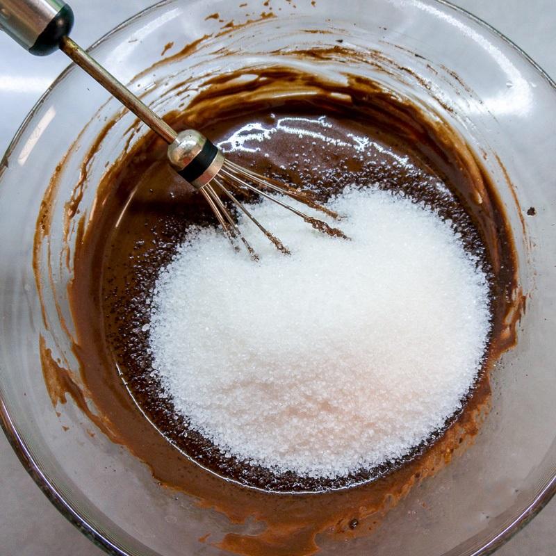 Công thức làm bánh cupcake chocolate mềm mịn ngon chưa từng thấy - Ảnh 3