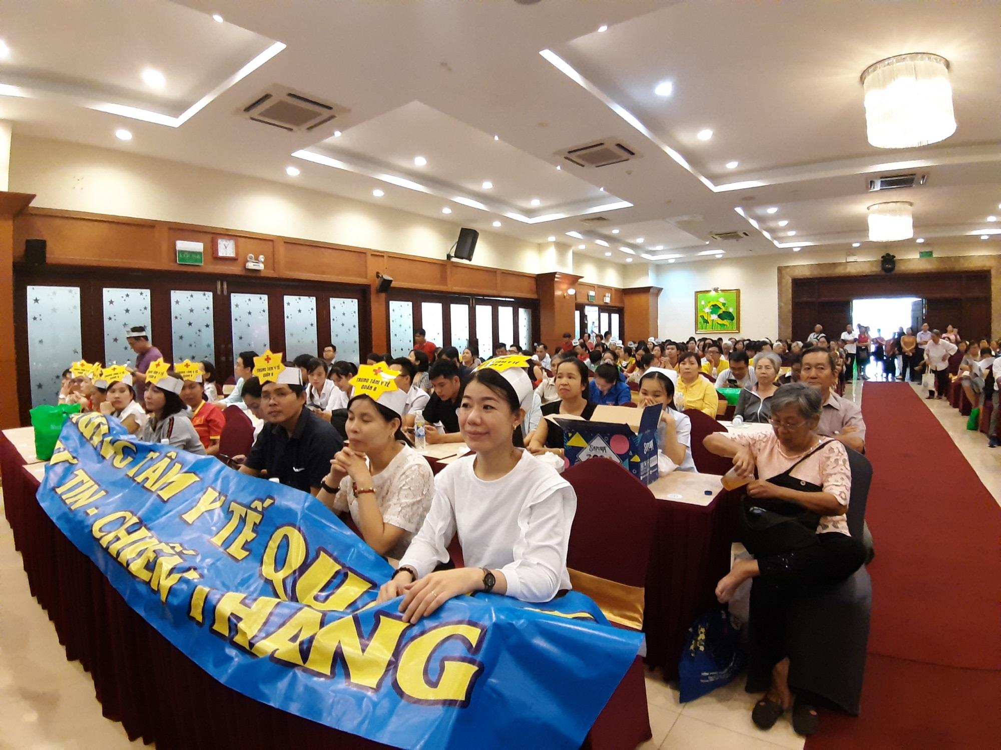 Cán bộ Y tế TP.HCM tham gia hưởng ứng ngày Đái tháo đường thế giới 14/11 - Ảnh 2