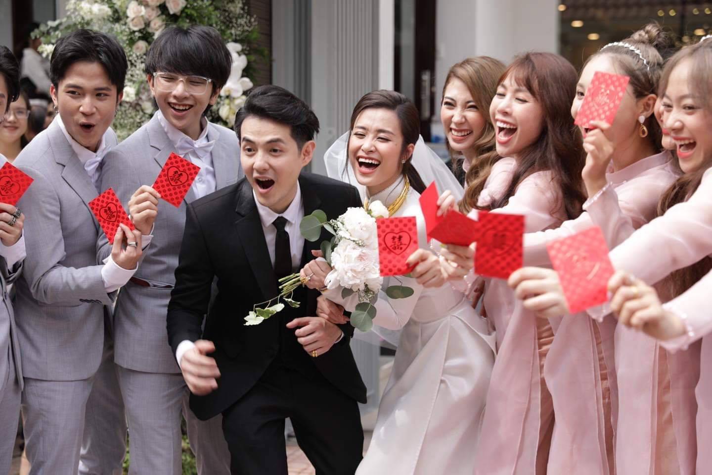 Toàn cảnh đám cưới thế kỷ Đông Nhi - Ông Cao Thắng: Cô dâu chú rể rạng rỡ, trao nhau nụ hôn thắm thiết - Ảnh 11