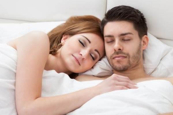 6 vấn đề về 'chuyện ấy' vợ chồng cần lưu ý trong năm mới - Ảnh 1