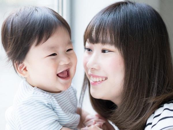 Khi con bị thừa cân bố mẹ cần phải làm gì? - Ảnh 1