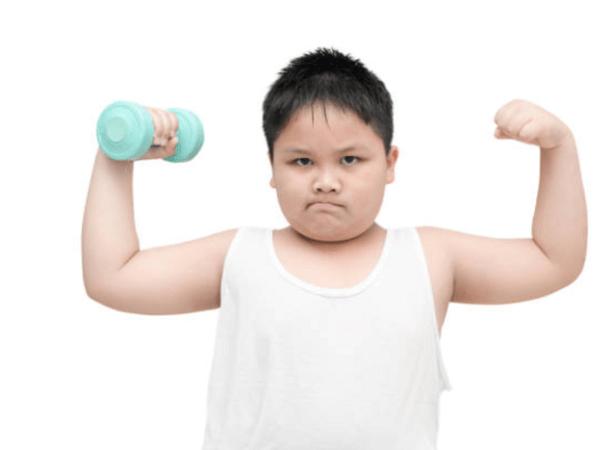 Khi con bị thừa cân bố mẹ cần phải làm gì? - Ảnh 3
