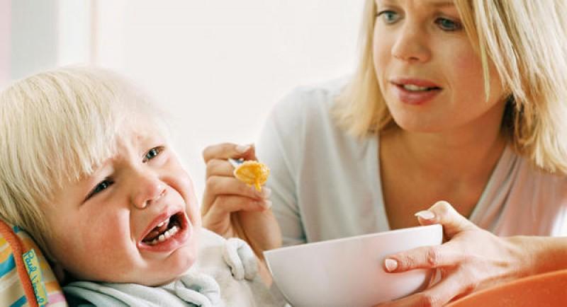 Những thói quen có hại khi cho bé ăn dặm mà mẹ cần tránh xa - Ảnh 1