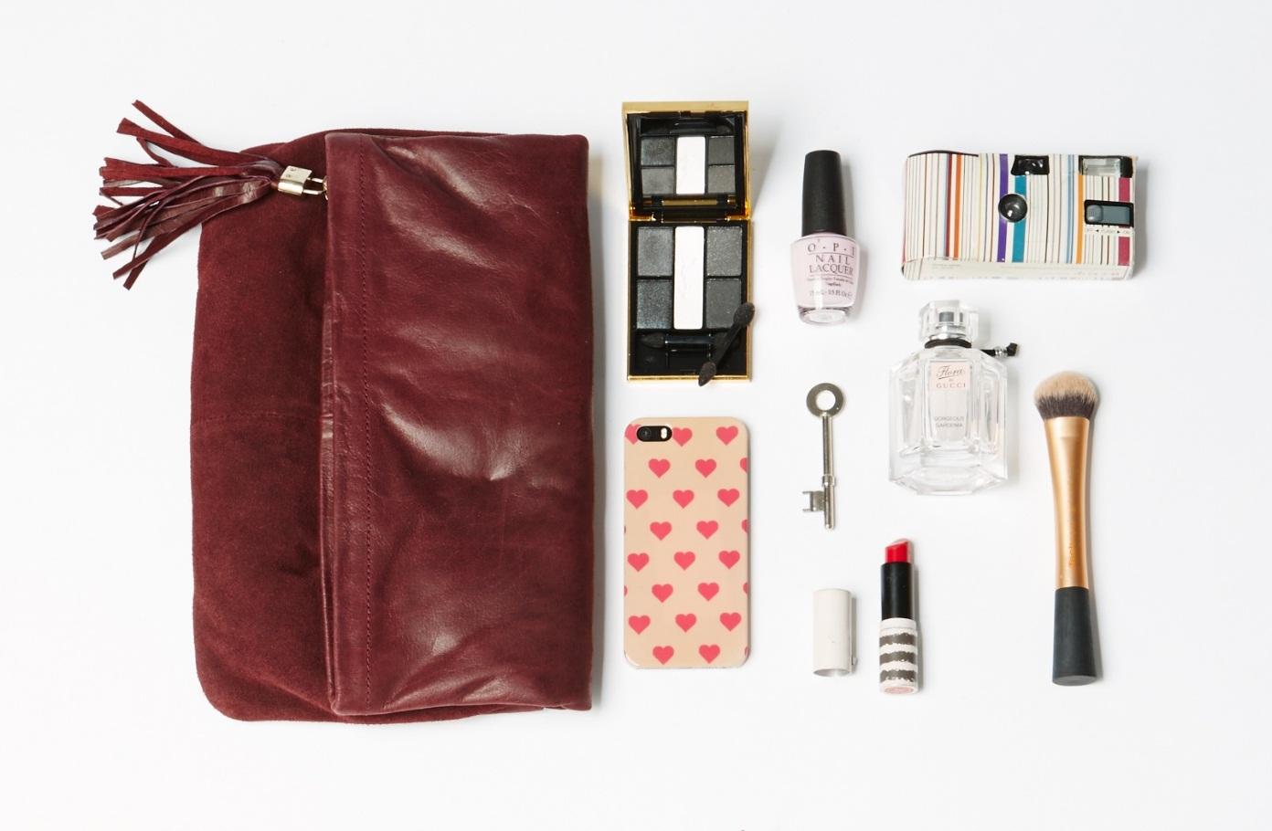 5 món đồ cơ bản trong túi xách của phụ nữ - Ảnh 2