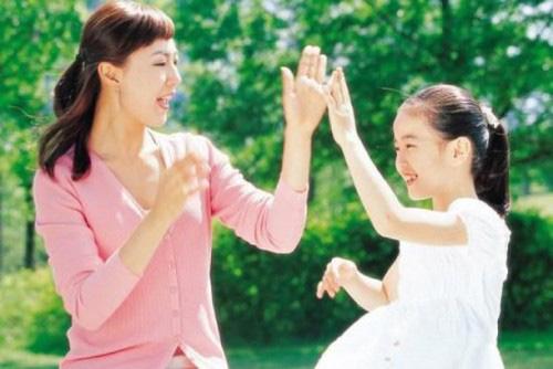 Cách dạy con tốt nhất nhưng cũng khó nhất đó là biết làm bạn cùng con - Ảnh 1