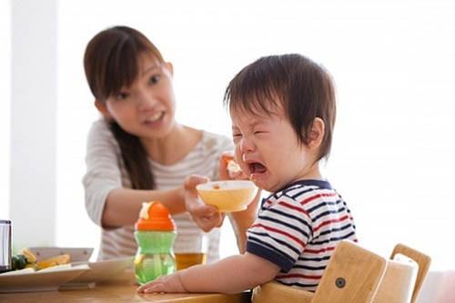 Trẻ biếng ăn sau Tết, 6 điều cha mẹ nên làm để con không bị suy dinh dưỡng, thấp còi - Ảnh 4