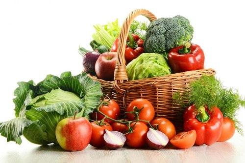 Chế độ ăn uống giàu vitamin, khoáng chất giúp trị mụn mọc quanh cổ hiệu quả