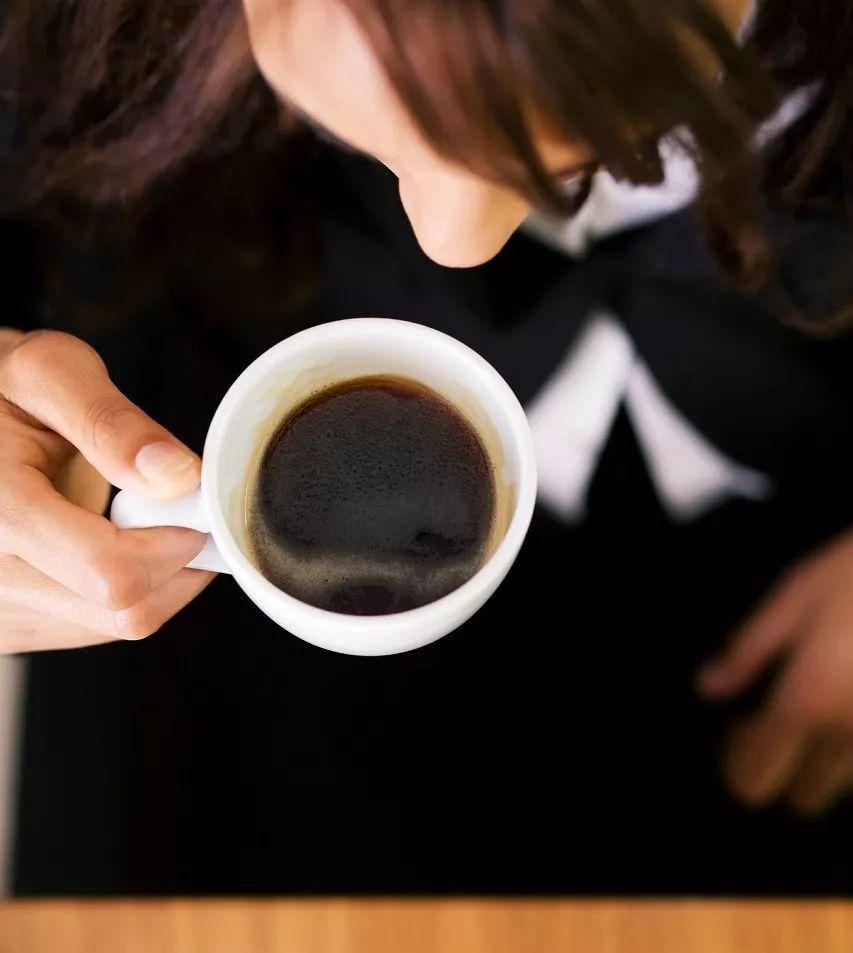 Người uống cà phê trong thời gian dài cũng có thể bị loãng xương