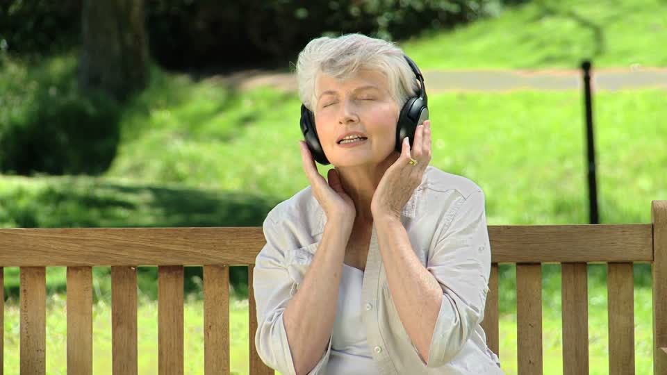 Âm nhạc khiến thần kinh thư giãn, hỗ trợ tốt cho hệ tiêu hóa sau bữa ăn