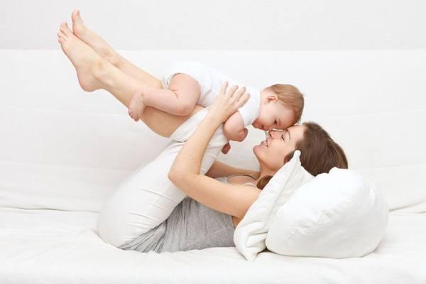 Mẹ nên ăn uống hợp lý và tránh giảm cân sớm làm ảnh hưởng khả năng phục hồi
