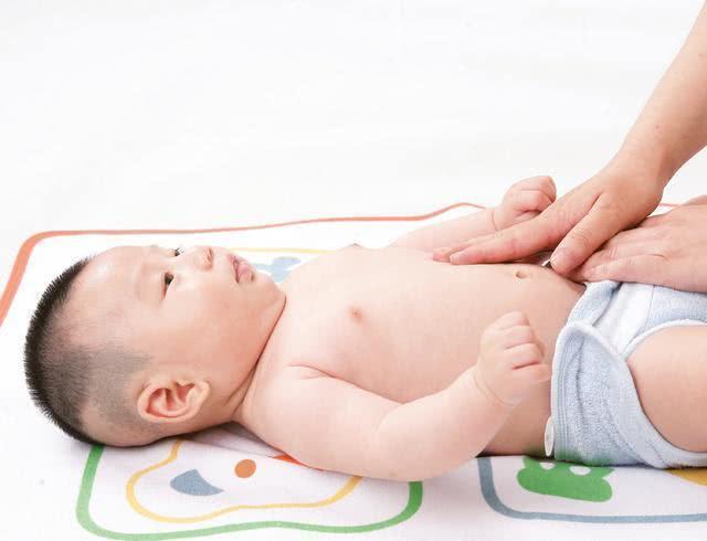 Massage bụng giúp kích thích nhu động dạ dày và đường ruột, cải thiện táo bón