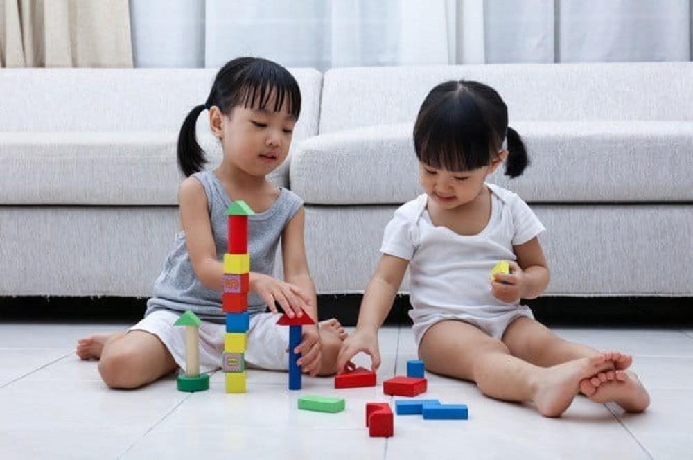 Hướng dẫn trẻ biểu đạt tâm trạng xấu của mình bằng phương pháp tích cực