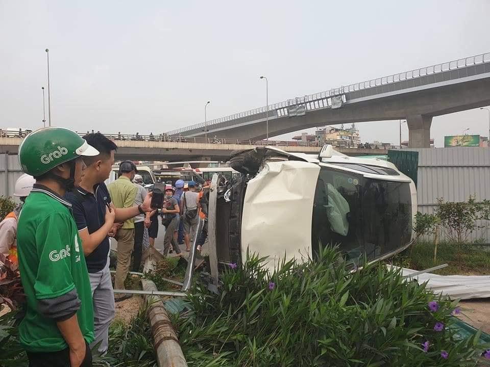 Nữ tài xế xe Mercedes gây tai nạn liên hoàn ở Cầu Giấy đối mặt với mức phạt nào? - Ảnh 1