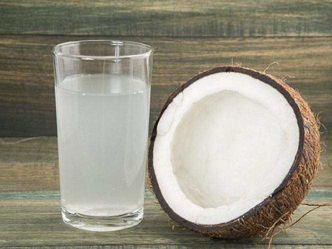 Nước dừa mang đến nhiều lợi ích cho sức khỏe