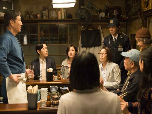 """Chồng đưa bồ đi ăn nhà hàng, vợ mạnh tay đặt luôn bàn đối diện và lên kế hoạch """"xử tội"""" - Ảnh 1"""