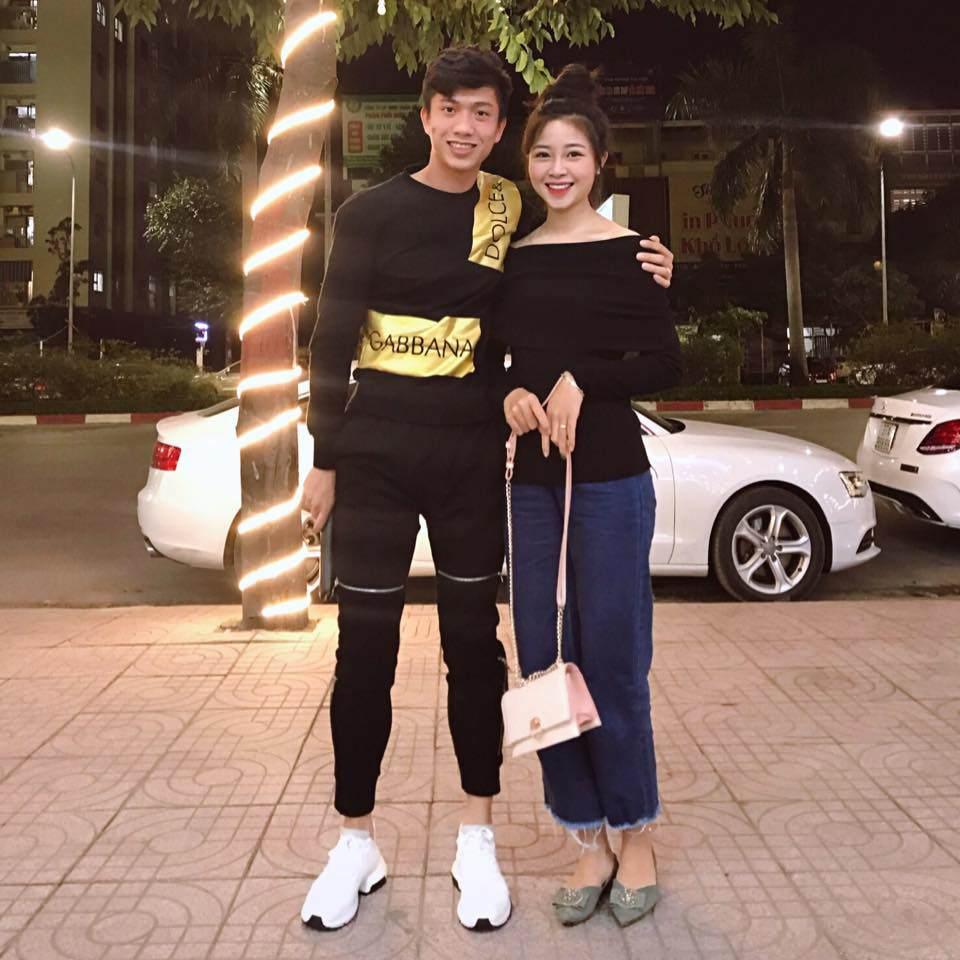 Đám cưới cầu thủ Phan Văn Đức: Vợ hot girl chẳng có gì ngoài vàng đeo khắp người - Ảnh 7