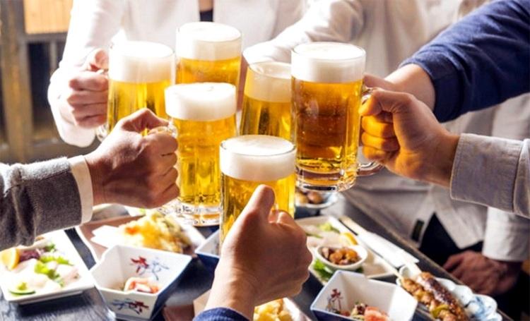 Căn nguyên lớn nhất dẫn đến tinh trùng bất thường ở nam giới chính là rượu, bia, thuốc lá