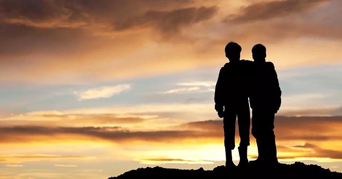 Anh chị em dù có mâu thuẫn cỡ nào cũng luôn sàng đến bên bạn khi bạn cần