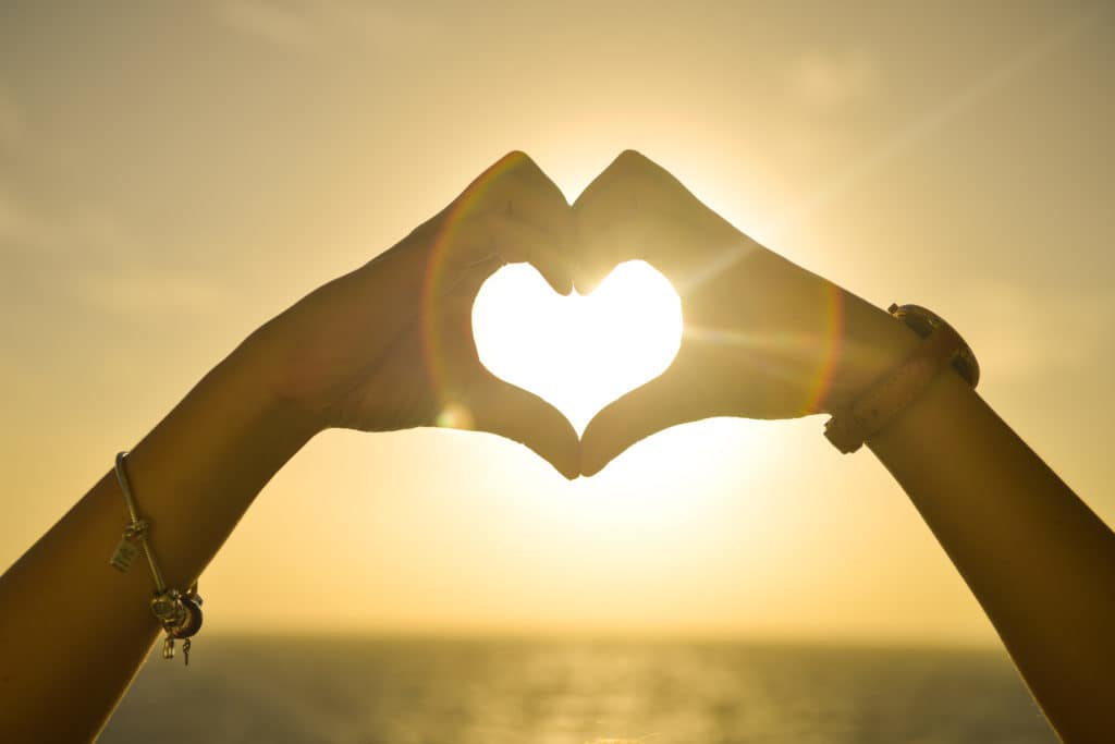 Nhiều người tin rằng, chỉ cần có tình yêu là có thể sống với nhau hạnh phúc cả đời