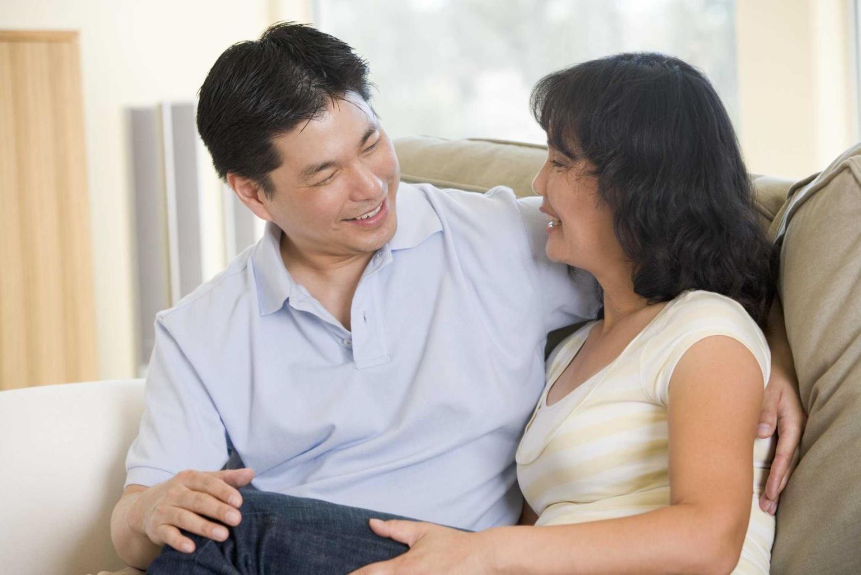 Hãy luôn ở bên động viên vợ chia sẻ mọi chuyện với mình