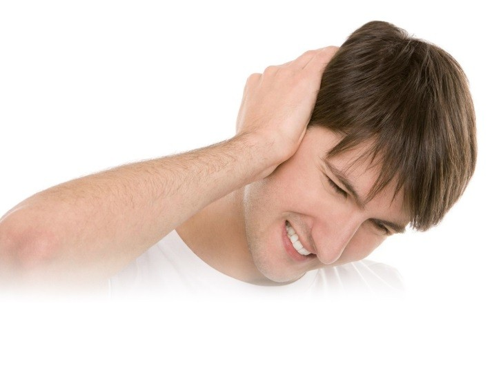 con trung chui vao tai 2