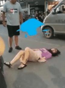Phẫn nộ với người đàn ông đánh vợ ngay trên phố, khi biết nguyên nhân ai cũng bất ngờ - Ảnh 1