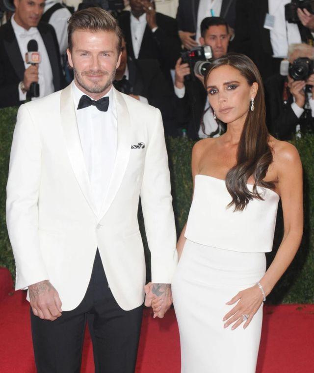 Tin đồn ngoại tình đến với Beckham như vũ bão