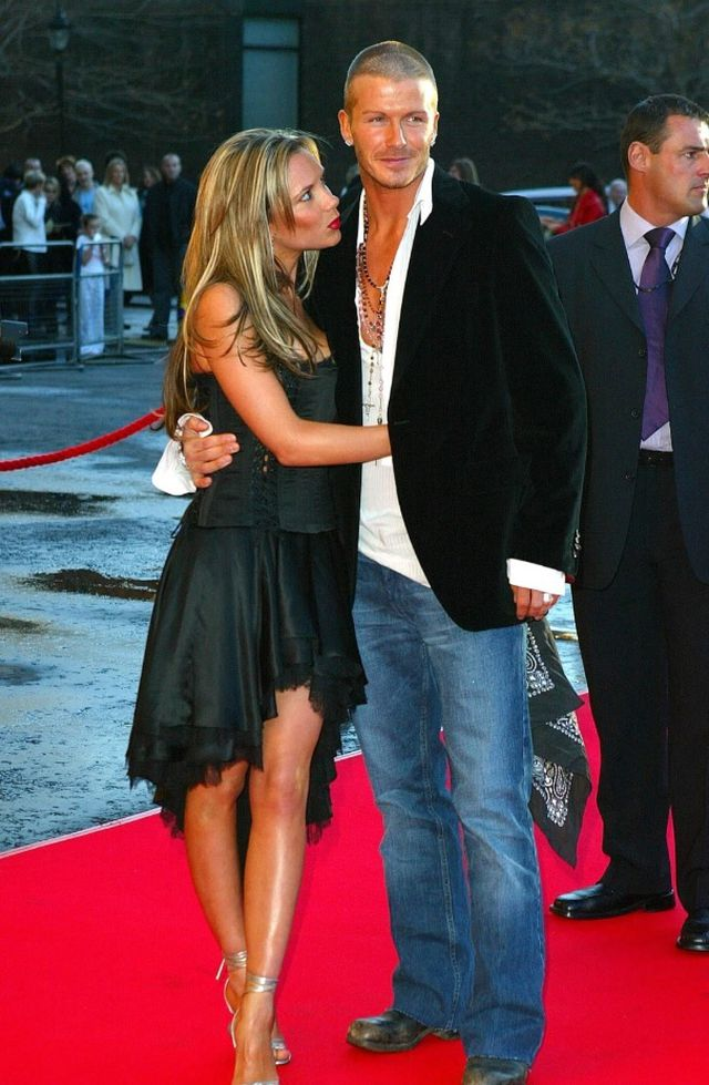Từ một cầu thủ cống hiến cả tuổi xuân cho sân cỏ, Beckham trở thành siêu sao bước chân trên những thảm đỏ hào nhoáng