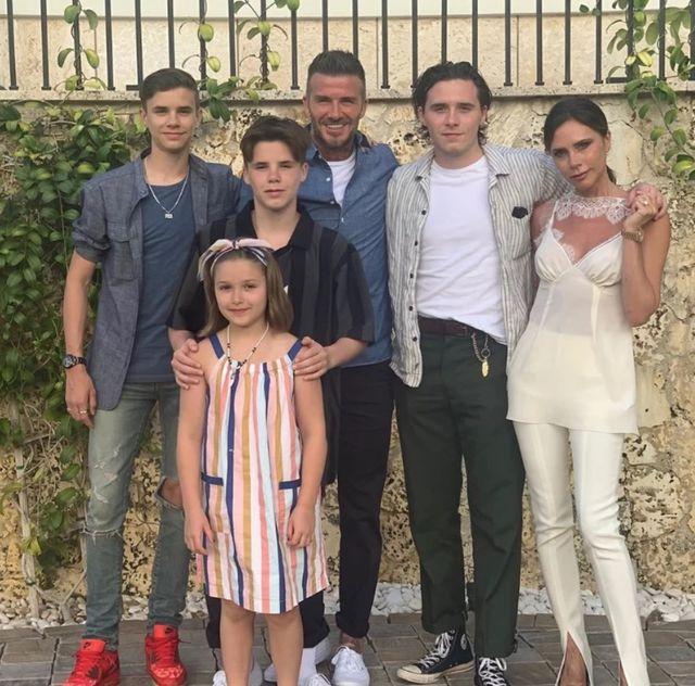 Gia đình đáng ngưỡng mộ của Bec- Vic hiện tại