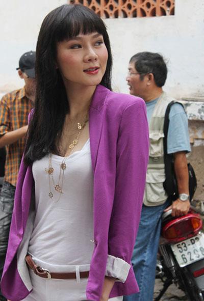 Dương Yến Ngọc đã quyết định từ bỏ ngành công an và lấn sân sang lĩnh vực nghệ thuật để trở thành một người mẫu chuyên nghiệp